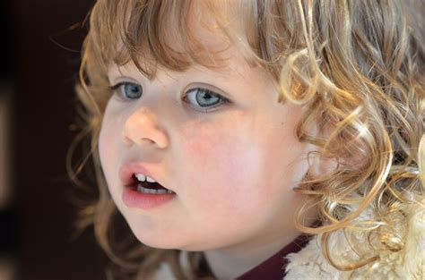 Comment Couper Des Cheveux Comment Couper Les Cheveux Fris 233 S D Un Enfant Idkids