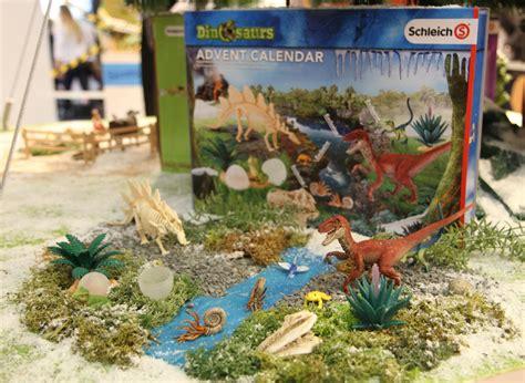 U De M Calendrier 2016 Schleich Adventskalender Dinosaurier 2016 Inhalt