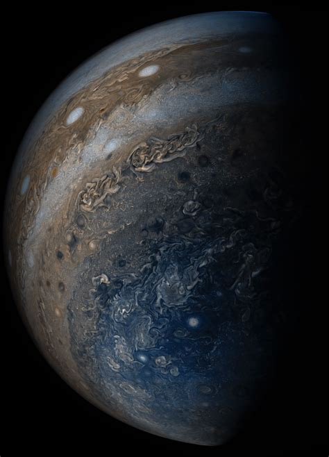 what color is jupiter juno spacecraft views the many colors of jupiter s clouds