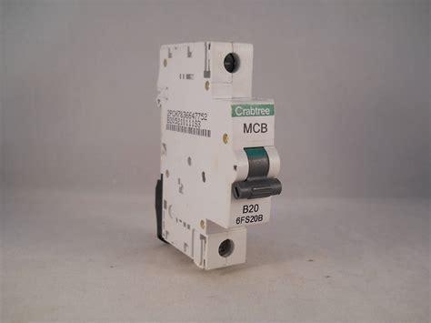 Laris Box Mcb 1 Pole crabtree loadstar mcb 20 single pole breaker type b 20a 6fs20b series 1 willrose