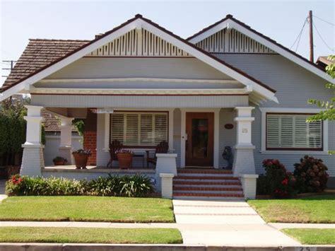 white trim craftsman bungalow house part of the salt cal bungalow craftsman and bungalow homes for sale