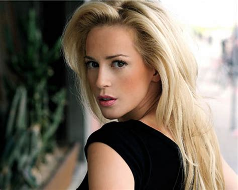 scottish actresses under 30 heart of daftness scots actress louise linton looned