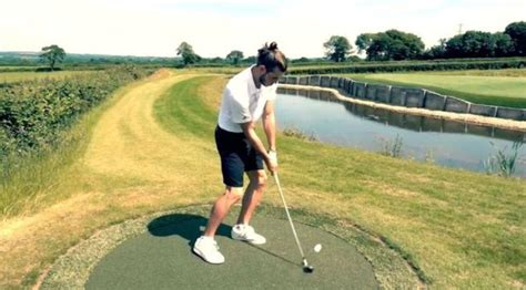 gareth bale builds   golfs  iconic holes