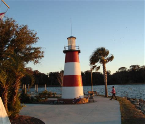 mount dora: vibrant town among hills and lakes north of