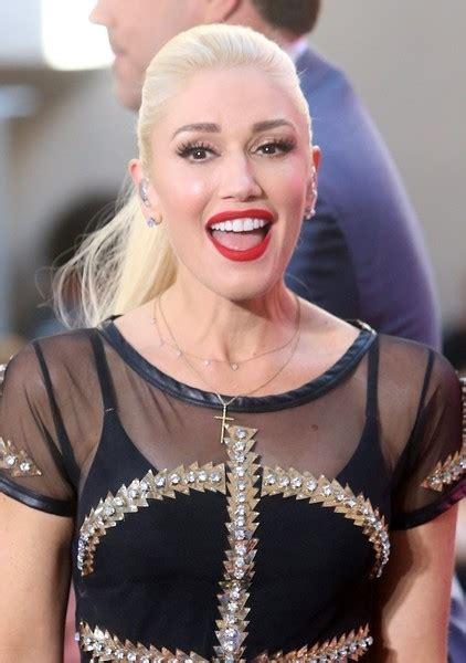 Gwen Stefani Hairstyles by Gwen Stefani Looks Stylebistro