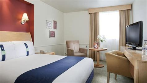gatwick airport day rooms inn gatwick airport hotel visitlondon