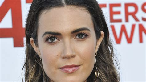 47 Abc Gas Giveaway - mandy moore unimpressed with 47 meters down fake shark wpde