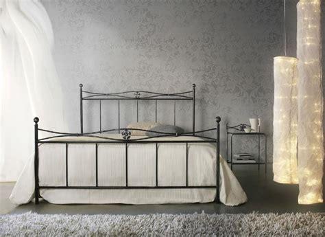 da letto con letto in ferro battuto letto in ferro battuto con pediera letti a prezzi scontati