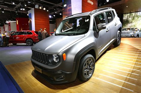 jeep eagle 2016 jeep renegade night eagle debutta in italia al prezzo di