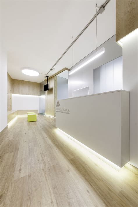 dental clinic adriana garcia  arquitectos archdaily