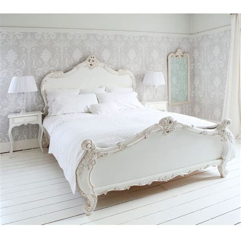 Decoupage Bed - the 25 best shabby chic wallpaper ideas on