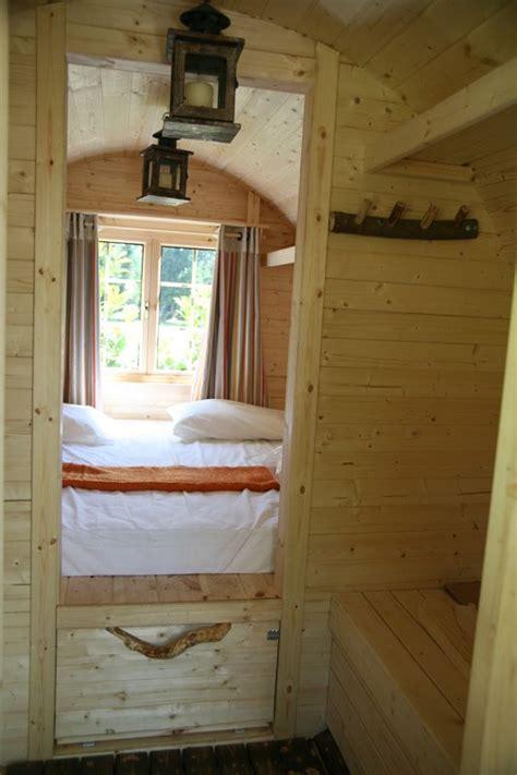 hutte sur l eau h 233 bergement insolite le tonneau de l 233 t 233 pour 2