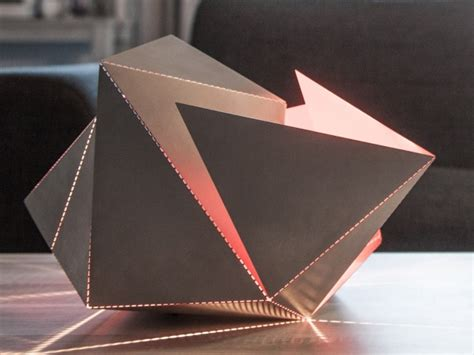 Origami Folding - the folding l makes origami out of light