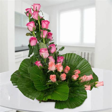 types of flower arrangement know more about different types of flower arrangements