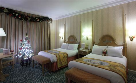 disney themed hotel theme rooms disney enchanted christmas disneyland
