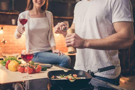 cenetta romantica cosa cucinare cenetta romantica a casa idee ricette e un menu