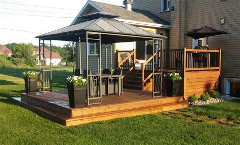 un patio votre teinture de patio ou terasse par un peintre