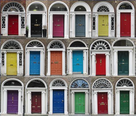 colorful doors dublin sightseeing walks trailhiker
