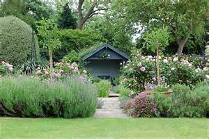 David Austin Patio Roses Bbc In Pictures Old Rectory Garden
