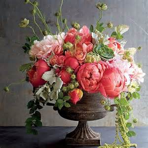 flower arrangements 25 best ideas about flower arrangements on flower arrangements floral
