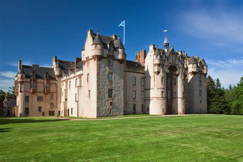 s day drive in scotland scotland s haunted castle 7 day tour self drive