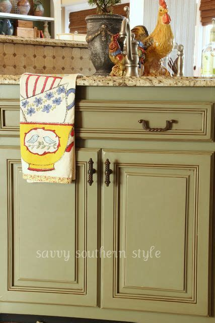 chalk paint ideas kitchen 98 best chalk paint 174 on cabinets images on pinterest