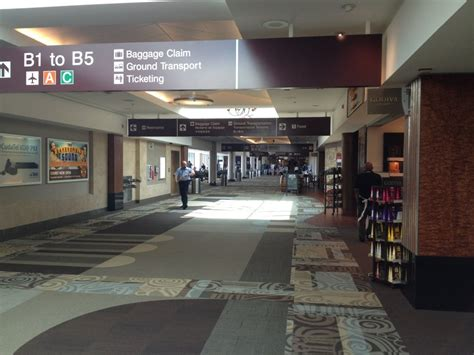 Phone Charging Stations by Bna Nashville International Airport The Traveler S Guide
