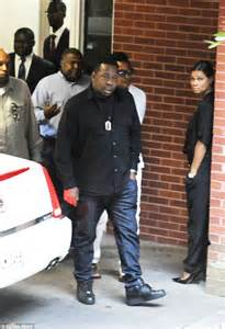 Bobby Brown Pays Up by S Sees Relatives Pour Into