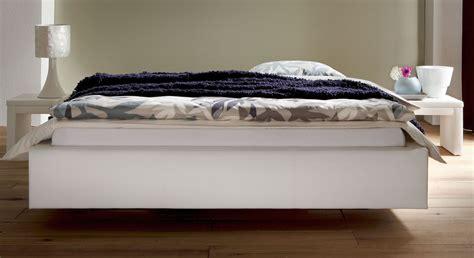 polsterbett ohne kopfteil modernes polsterbett ohne kopfteil in schwebeoptik gordon