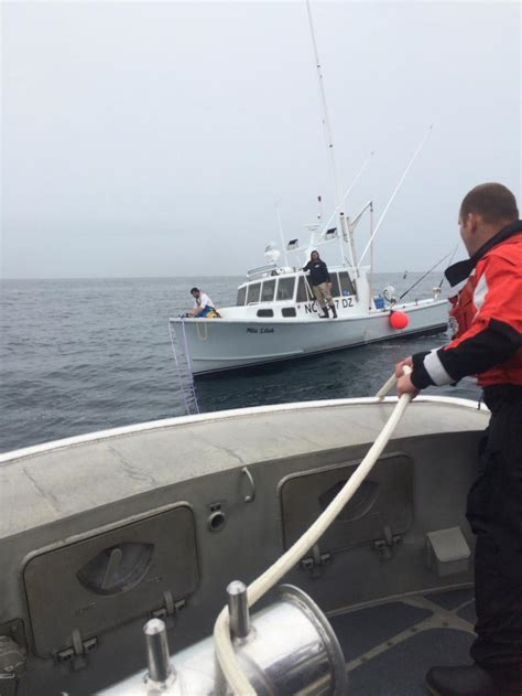 tow boat us oregon inlet dvids images coast guard rescues boat 38 miles from