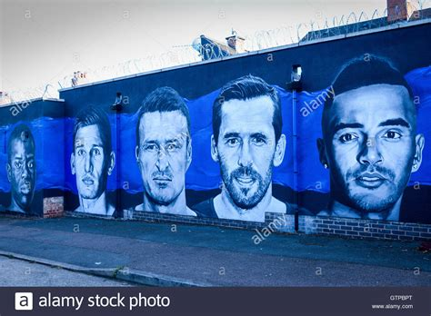 spray painter leicester leicester city football club mural league chions 2015