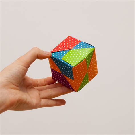 How To Make A Origami Cube - easy origami cube comot