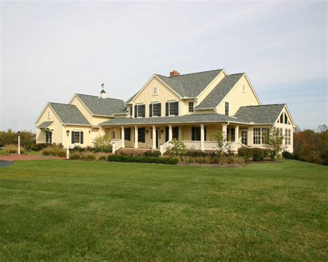 Farm Home by New Farmhouse