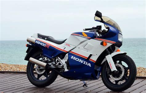 classic honda honda rc30 road test classic motorbikes