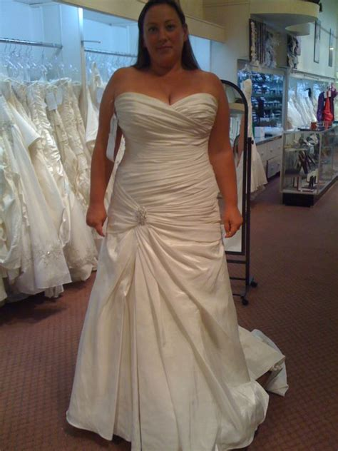 Wedding Dresses Size 20 by Any Real Pics Of Plus Size Brides Wearing Maggie Sottero