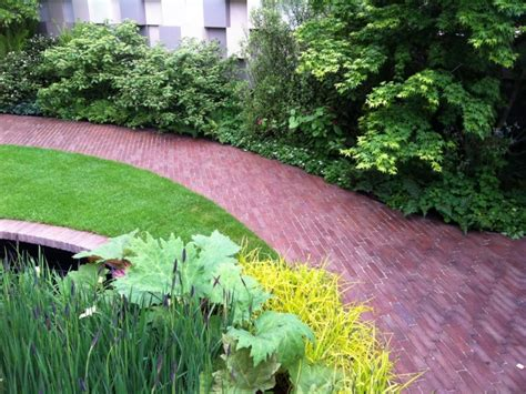 paving all green landscapes