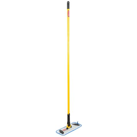 rubbermaid hygen 11 quot microfiber mop kit with mop and pads