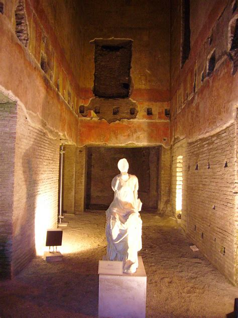 the golden house file statue domus aurea jpg