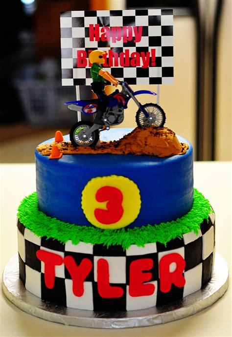 motocross bike cake 3rd birthday dirtbike cake cakecentral com