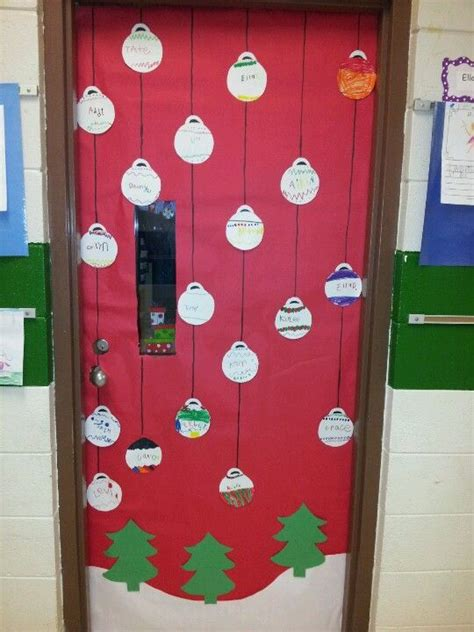 christmas door decorations for a preschool classroom 1000 images about door decorations on fall classroom door classroom and door ideas