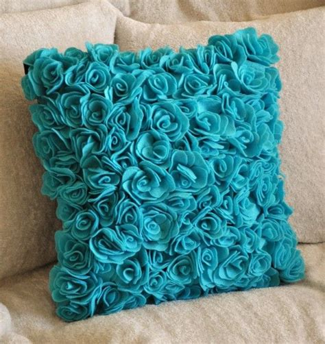 turquoise bed pillows 25 best ideas about turquoise throw pillows on pinterest