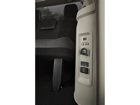 chrysler town and country interior photos 2016 chrysler town country interior u s news world