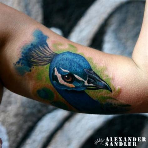 arm pfau aquarell tattoo von kipod studio