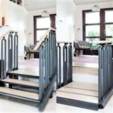 kleine lift in huis plateaulift rolstoel prijs kleine kastjes voor aan de muur