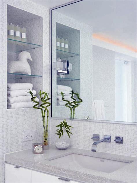 2013 bathroom decorating ideas from buzzfeed diy 25 tips for decorating a small bathroom bath crashers diy