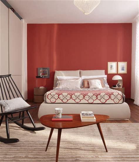 colorare una da letto una da letto con la parete dietro la testata rossa
