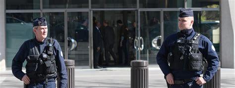 siege du fmi cinq questions sur le courrier pi 233 g 233 qui a fait une