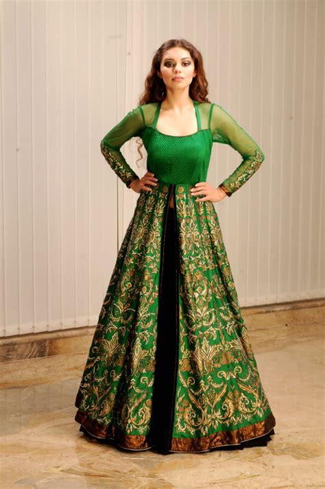 Traditional Saree Draping Styles Anarkali Lehenga Fusion Google Search Indian Sarees N