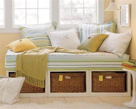 daybed with baskets daybed with basket storage lar doce lar pinterest