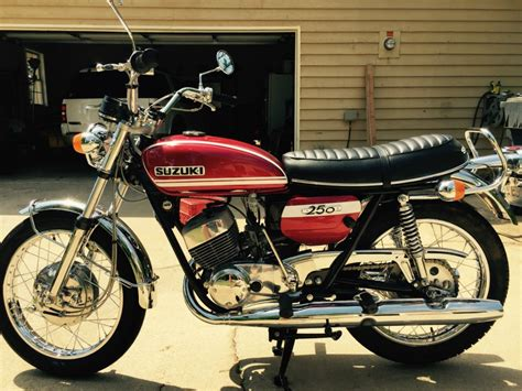 restored suzuki t250 1972 photographs at classic bikes